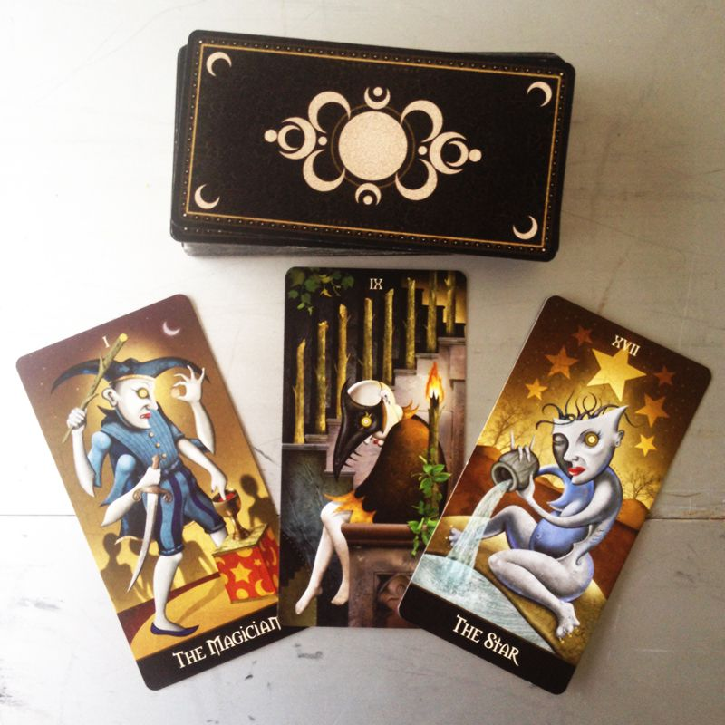 Deviant Moon Tarot Borderless 2
