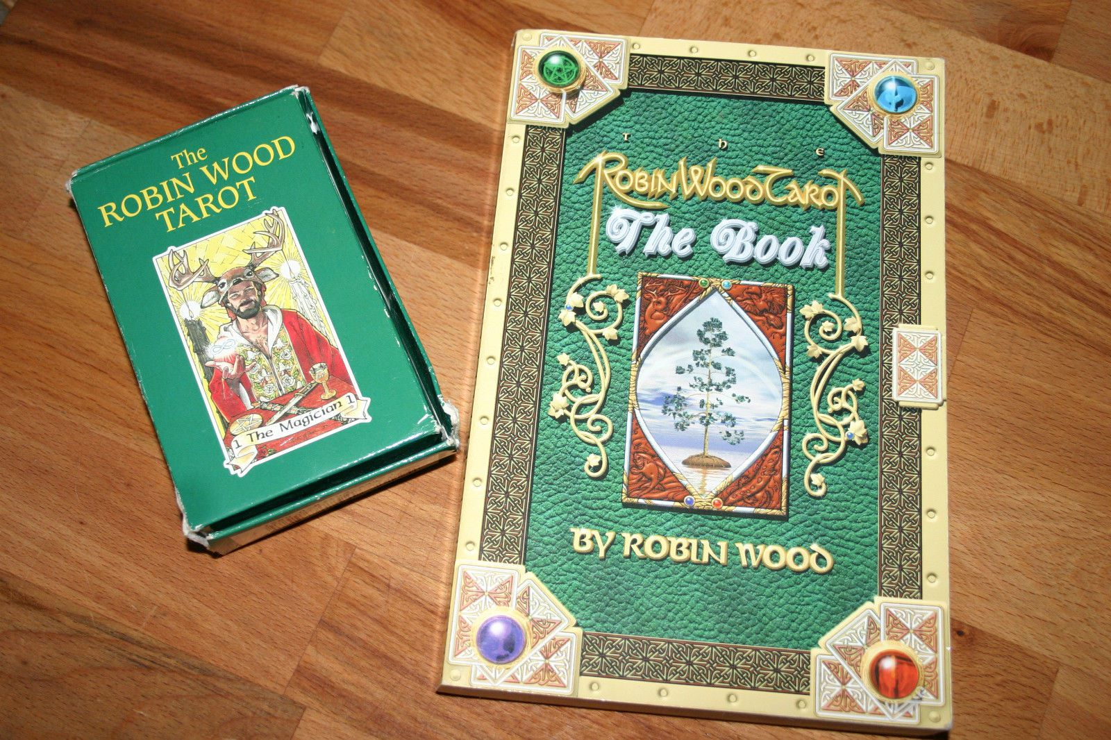 Robin Wood Tarot The Book 4